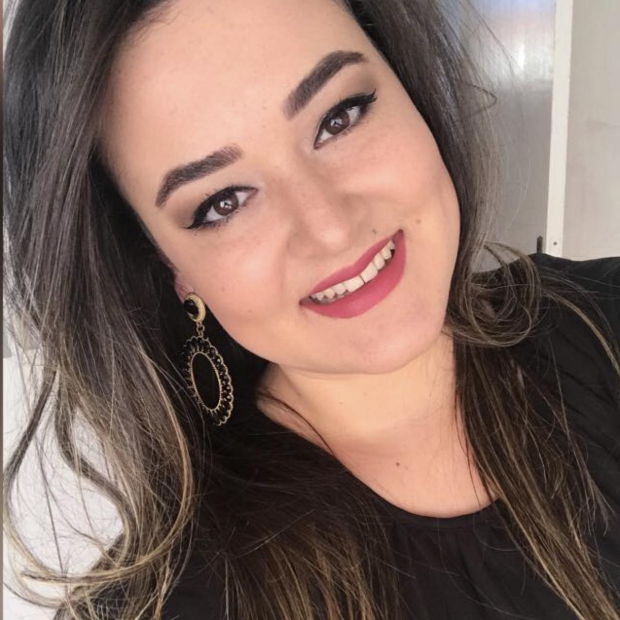 Anna Letícia Costa