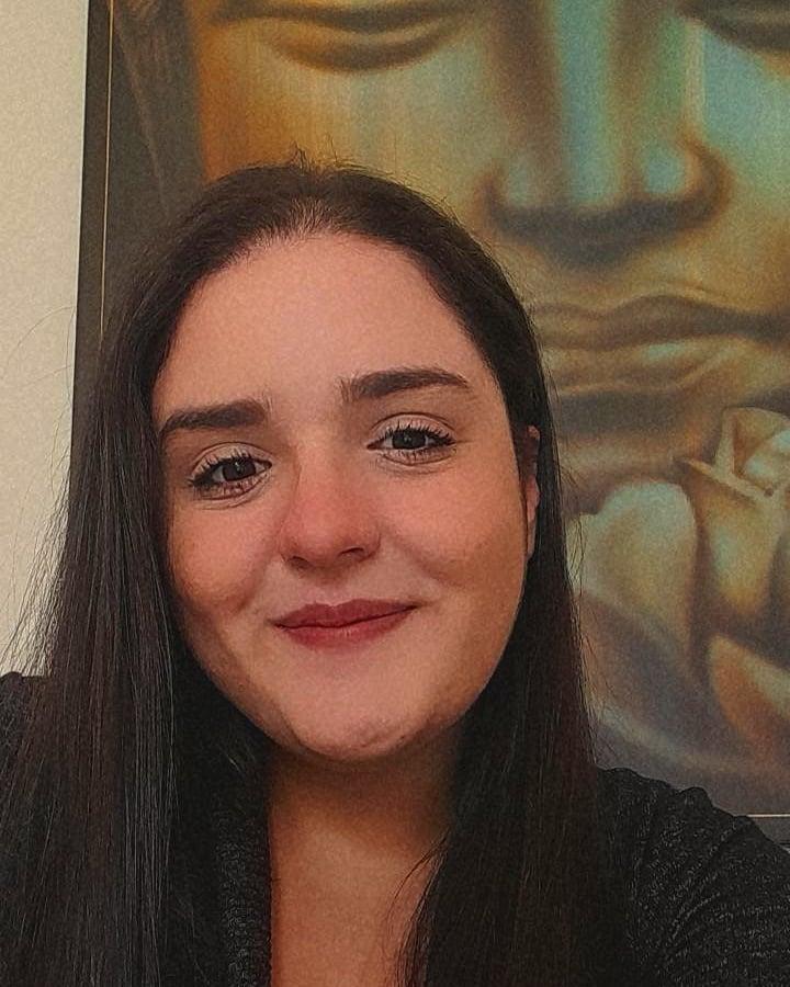 Julia Moura Ferreira Moreira
